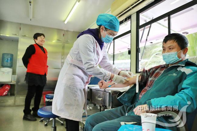 学雷锋纪念日丨志愿者无偿献血 传递社会爱心